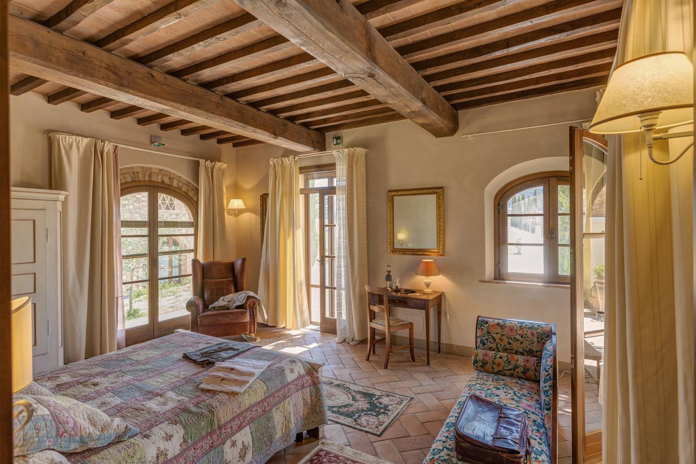 Matrimonio Di Lusso Toscana : Luxury room in tuscany with view on lemon tree
