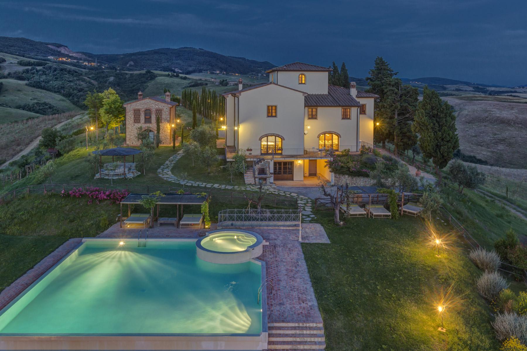 Swimming pool villa ciggiano for Piscina firenze
